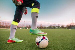 サッカー選手の足元